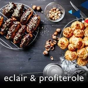 Confusion of French dessert terms ทราบกันดีว่าวัฒนธรรมขนมและของหวานของชาวอังกฤษและอเมริกันรับเอาอิทธิพลจากฝรั่งเศสมาไม่น้อย ซึ่งก็รวมถึงชื่อที่ใช้เรียกด้วย  หนึ่งในไม่กี่คำที่คนไทยพอจะคุ้นเคยกันบ้างแล้วว่าต้องอ่านว่า 'ครัวซง' ไม่ใช่ 'ครัวแซนต์'