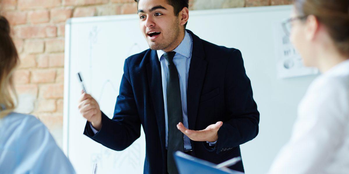 """""""เรียนสนทนาที่ไหนดี? 5 ทริคเลือก 'สถาบันสอนสนทนาภาษาอังกฤษ' ให้คุ้มค่าและตอบโจทย์ """""""